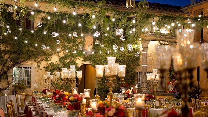 The wonderful wedding table at Villa Catignano wedding Tuscany - Villa Catignano weddings