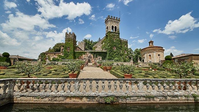Tuscany castle wedding venue. Castello di Celsa wedding video