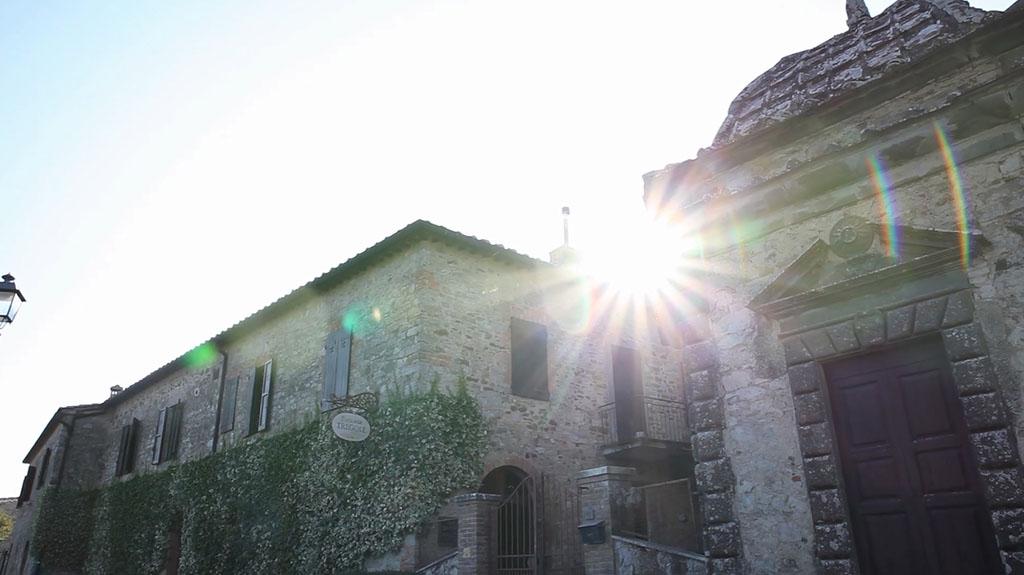 Tuscany wedding videographer: A pic of Fattoria Tregole